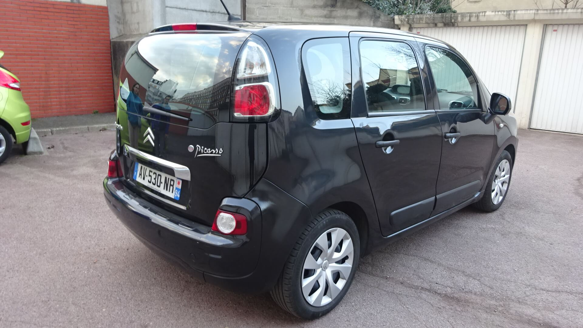 voiture occasion citroen c3 picasso labellis e vendre. Black Bedroom Furniture Sets. Home Design Ideas